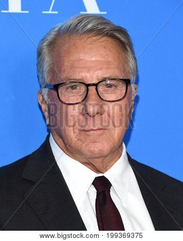 LOS ANGELES - AUG 02:  Dustin Hoffman arrives for the HFPA's Grants Banquet on August 2, 2017 in Beverly Hills, CA