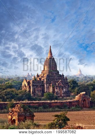 Ancient pagoda in Bagan Archaeological Zone, Myanmar. Bagans prosperous economy built over 10000 temples between the 11th and 13th centuries.