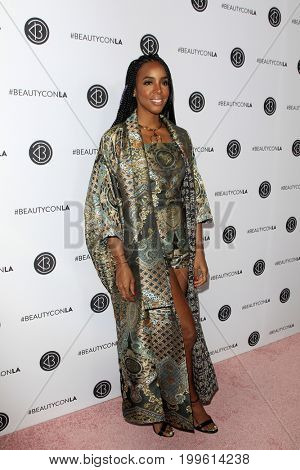 LOS ANGELES - AUG 12:  Kelly Rowland at the 5th Annual Beautycon Festival Los Angeles at the Los Angeles Convention Center on August 12, 2017 in Los Angeles, CA