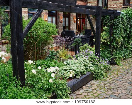 Attractive Beautiful Small Blooming Country Style English UK Garden