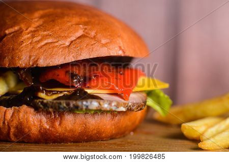 Burger With Red Pepper And Boiled Pork