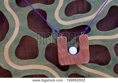 Climbing Ball Race Maze Game