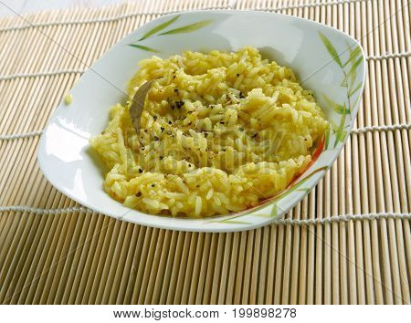 Puliyogare Tamarind Rice
