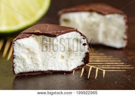 Soufle Chocolate Candy Bird's Milk