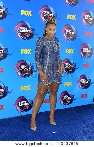 LOS ANGELES - AUG 13:  Nia Sioux at the Teen Choice Awards 2017 at the Galen Center on August 13, 2017 in Los Angeles, CA