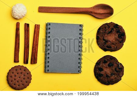 Chocolate Chip Cookies With Recipe Book