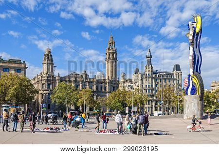 Barcelona, Spain - November 10, 2018: Plaza Dantonio Lopez With The Central Post Office To The Left,