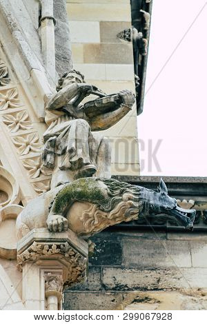 Reims France May 3, 2019 Closeup Of The Statues On The Exterior Facade Of The Notre Dame De Reims Ca