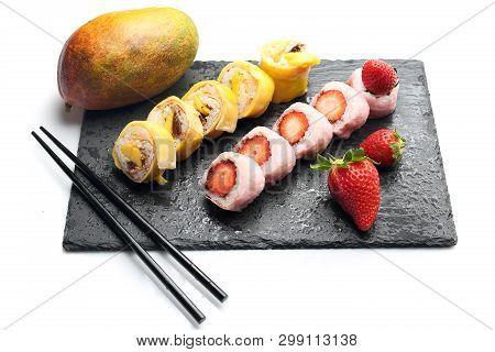 Fruit Sushi, Sushi Roll With Banana, Sushi With Strawberry And Mango Sushi