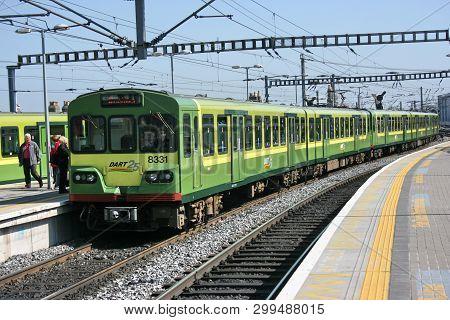 Dublin Connolly Station,ireland, April 2010, An Iarnrod Eireann Train Service