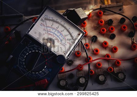 Multi-meter Analog.