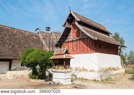 The Ancient Building In Lanna Style Located In The Area Of Wat Phra That Lampang Luang An Iconic Bud