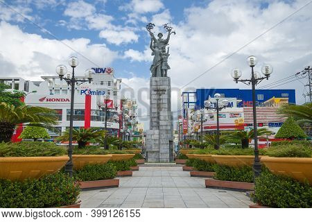 Nha Trang, Vietnam - December 31, 2015: Monument In Honor Of The Liberation Of Nha Trang During The
