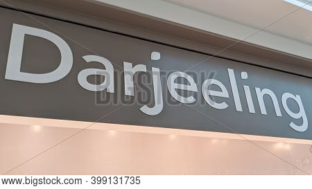 Bordeaux , Aquitaine  France - 12 09 2020 : Darjeeling Sign And Text Logo Front Of Store Fashion Lin
