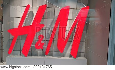 Bordeaux , Aquitaine  France - 12 09 2020 : H&m Logo And Text Sign Of Store H & M Swedish Multinatio