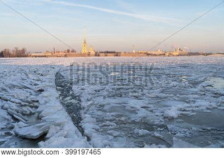 Ice Drift On Neva In Winter Season In St.petersburg, Russia. December 2020.