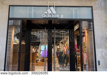 Bordeaux , Aquitaine  France - 12 12 2020 : Adidas Logo And Sign Text Front Of Store Fashion Brand C