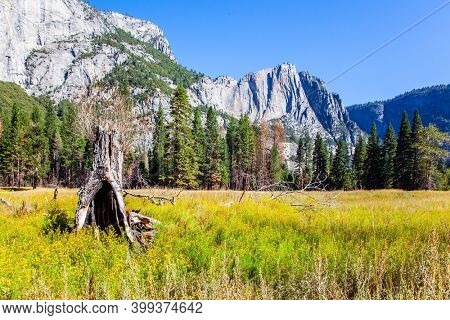 Yosemite Park is located on the slopes of the Sierra Nevada. Yosemite Valley. The  rock-monolith El Capitan. Western Cordillera. The park is declared a World Heritage Site