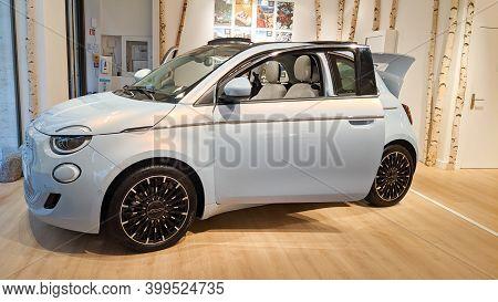 Bordeaux , Aquitaine  France - 12 12 2020 : Fiat 500e Electric Vehicle Modern 500 Car Show In Dealer