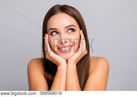 Close-up Portrait Of Her She Nice-looking Attractive Charming Cute Dreamy Cheerful Cheery Straight-h