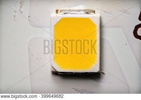 High Power Warm White Smd Led Chip On Aluminum Circuit Boaed Macro