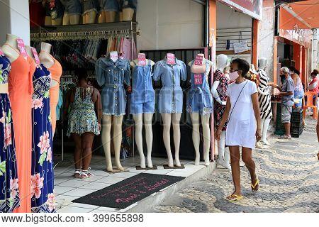 Salvador, Bahia, Brazil - December 14, 2020: Street Store Mannequin Is Seen In Shopping Center In Th