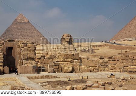 Cairo, Egypt - 05 Mar 2017. Great Sphinx And Pyramids Of Ancient Egypt In Giza, Cairo