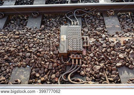 Railway Impedance Bond Provides A Continuous Path Around Insulated Block Joints For Return Current A