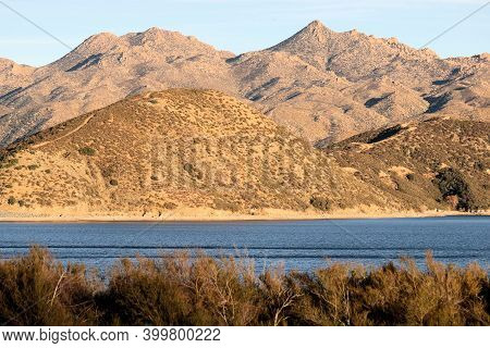 Arid Field Covered With Chaparral Shrubs Overlooking Barren Mountains Besides Silverwood Lake, Ca Du