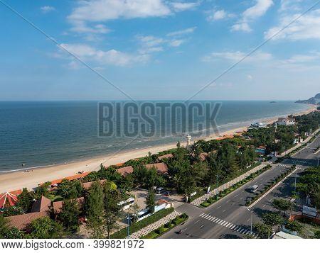 Vung Tau, Vietnam - July 23, 2020: Bai Sau Or Back Beach In Vung Tau In The Bang Ria-vung Tau Provin