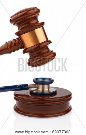 gavel and stethoscope, symbol photo for bungling doctors and error