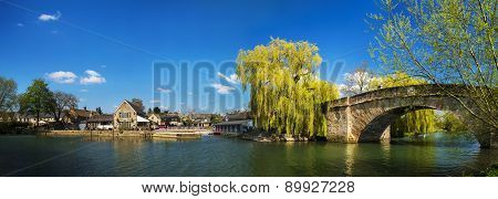 Halfpenny Bridge Over The River Thames At Lechlade