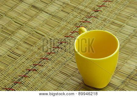 Coffee Textured Yellow, Empty Glass, La Mick.