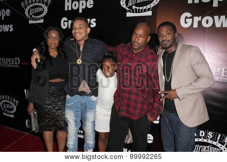LOS ANGELES - MAY 3:  Ray J Norwood, family at the