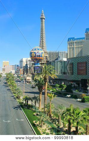 Las Vegas, Usa - March 19: View Of Las Vegas Boulevard On March 19, 2013 In Las Vegas, Usa. Las Vega