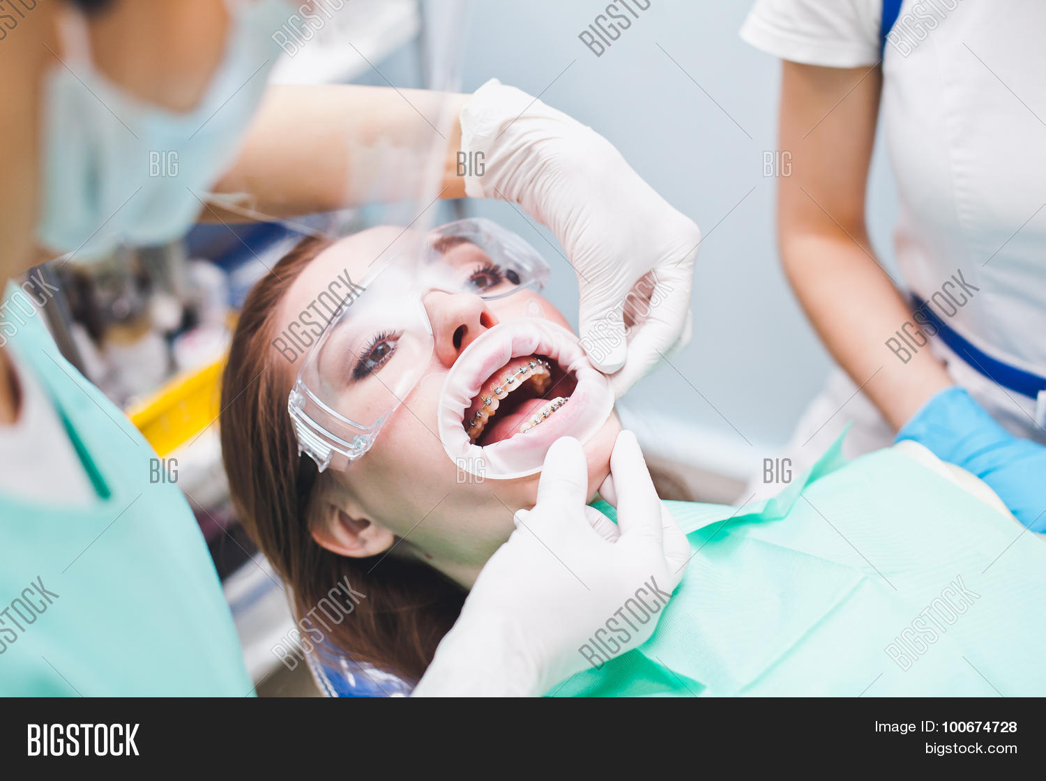 Dentist dating patients