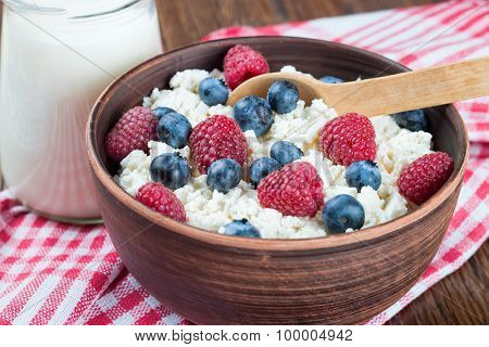 Cottage Cheese With Berries