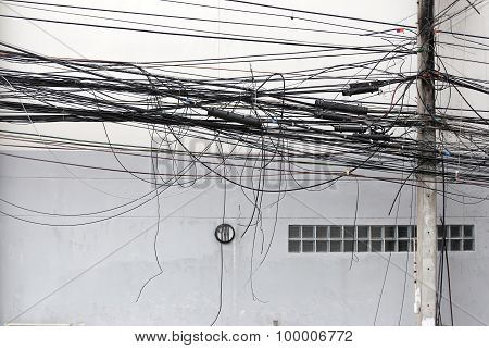 Signal Cable Tangle.