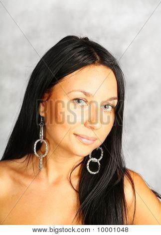 cute brunette face