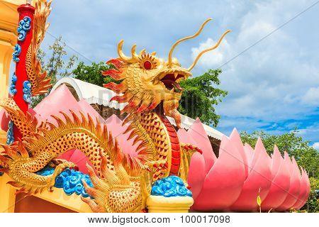 Naga Infront Of The Temple At Wat Muang