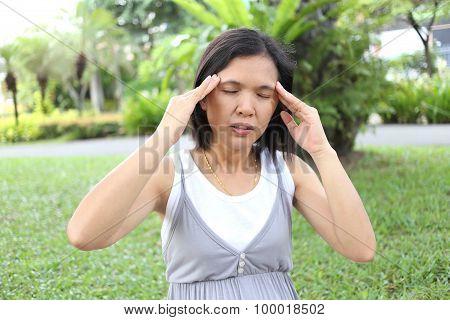 Thai Pregnant Mom Have Headache.