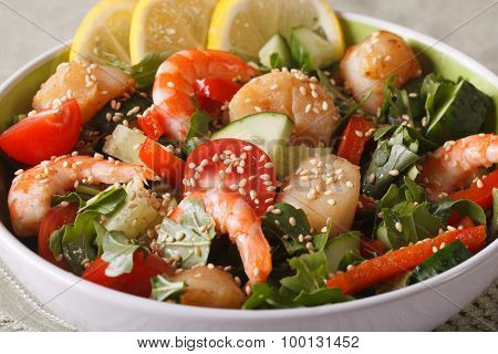Salad With Shrimp, Scallops And Fresh Vegetables Close Up. Horizontal