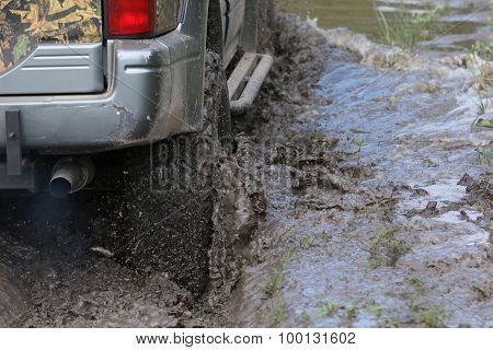 Drive In Mud