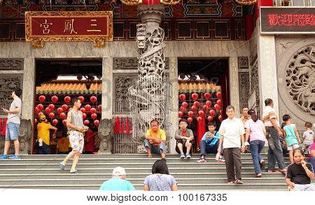 People Enter A Large Temple In Taiwan