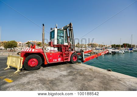 Forklift For Yachts
