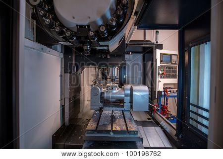 Image of milling machine at workshop