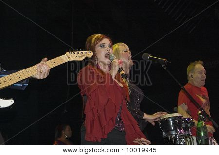 The B52's live