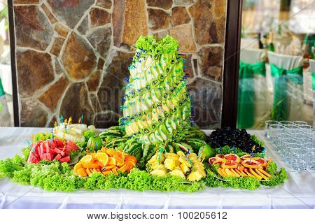 Table with fresh fruits