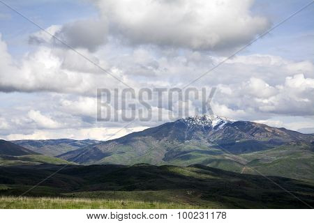 Mountain range in northern utah
