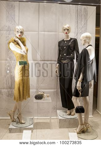 fashion luxury  mannequin showcase display shopping retail mlothing